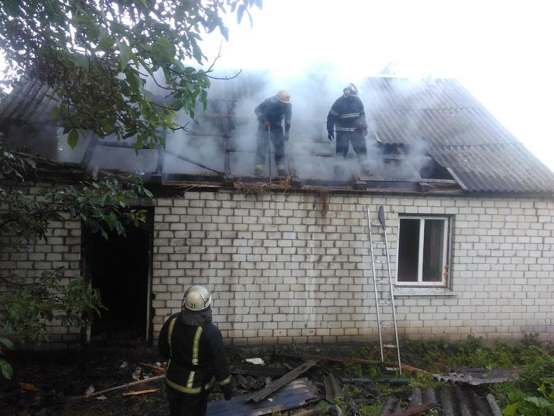 Під час ліквідації пожежі житлового будинку рятувальники виявили тіло господаря