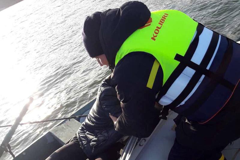 Надзвичайники на річці Смотрич врятували рибалку