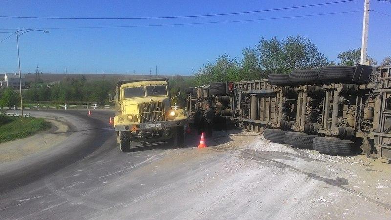 Тещин язик біля Кам'янця-Подільского називають небезпечним участком дороги в області, оскільки там часто стаються ДТП