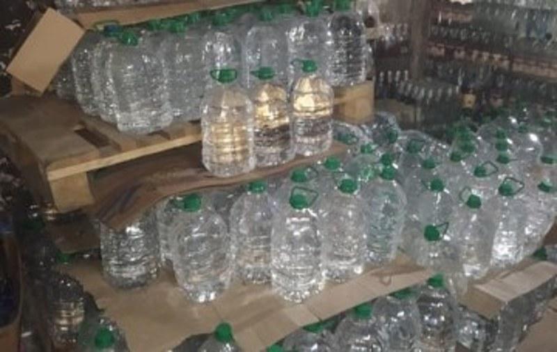 На Хмельниччині податкові міліціонери вилучили з тіньового обігу алкогольний та тютюновий фальсифікат на 2 мільйони гривень