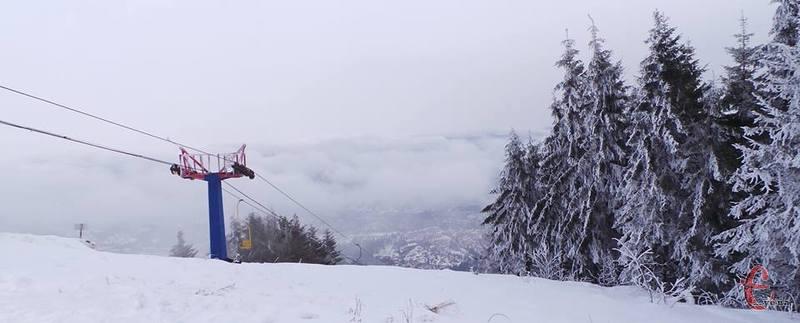 Мрієте зустріти Новий рік 2018 в горах серед засніженого лісу?