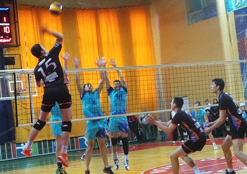 15-17 січня в СК Новатор відбудуться матчі третього туру чемпіонату України з волейболу серед команди вищої ліги групи А