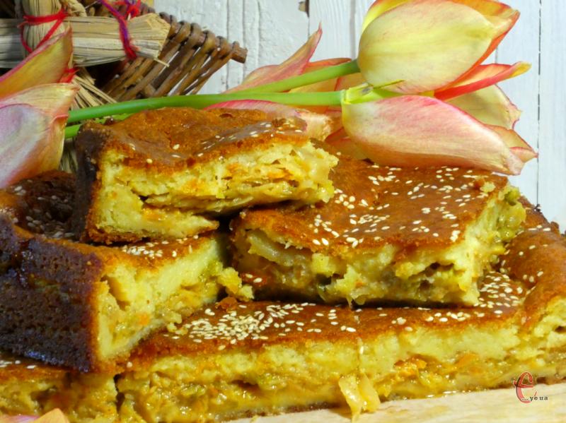 Пиріг чудово смакує як у гарячому, так і в холодному вигляді.