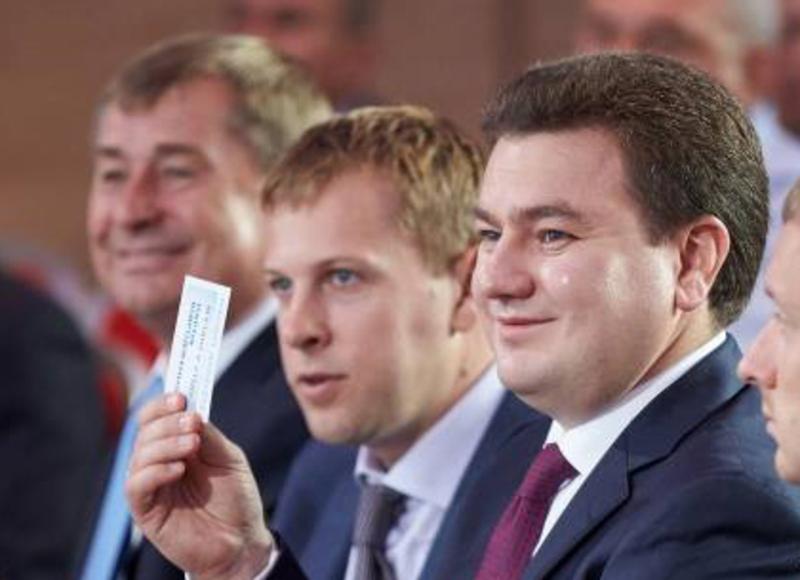 Віктор Бондар та Віталій Хомутиннік під час з'їзду