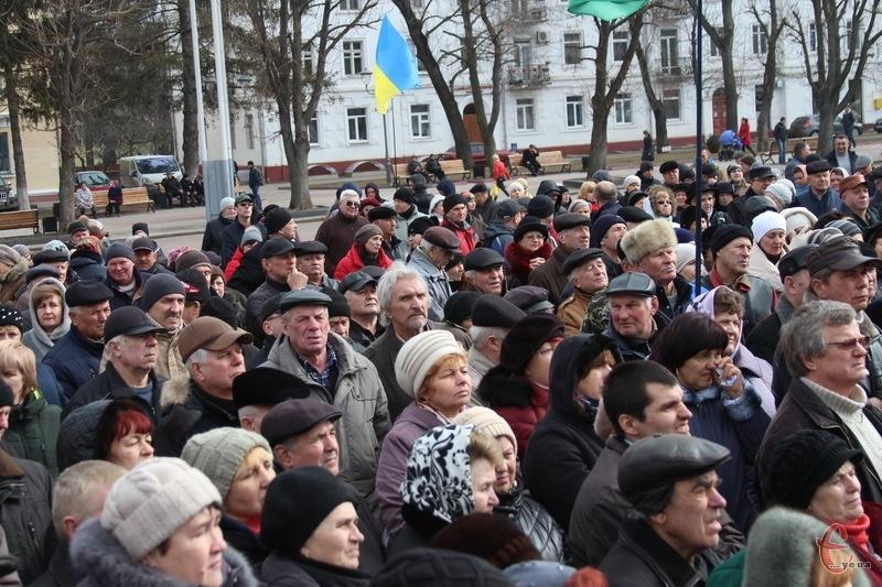На майдан у Хмельницькому вийшло декілька сотень людей