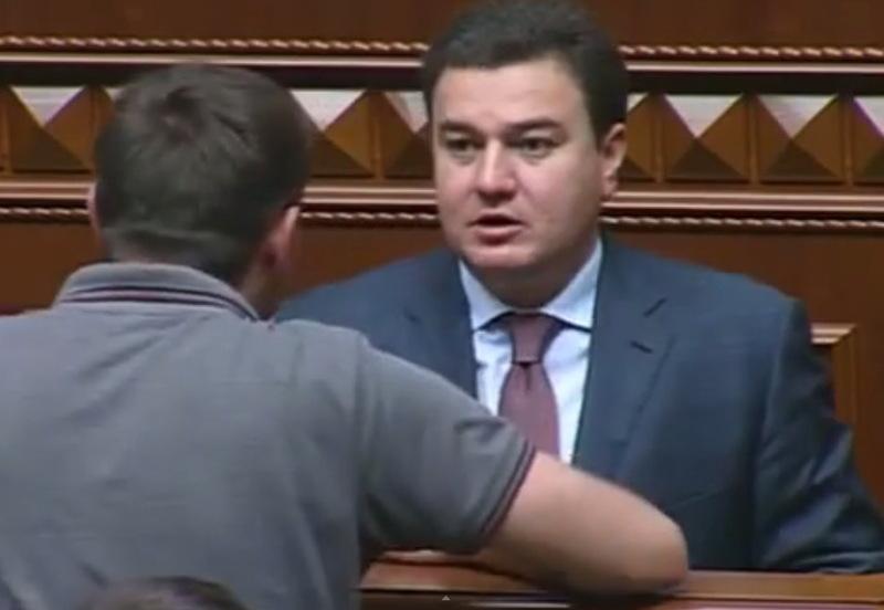 Віктор Бондар, назвавши Правий сектор бандою, почув відповідну характеристику про себе від Володимир Парасюка