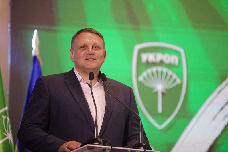Гриценко, Рабінович, Тимошенко та Шевченко – лідери за кількістю замовних статей в прикарпатських газетах