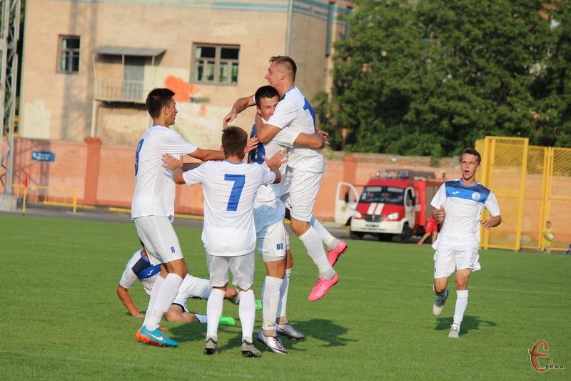 Хмельницьке Поділля, повернувшись до Професійної футбольної ліги України, виграло свій перший матч у Суднобудівника з Миколаєва
