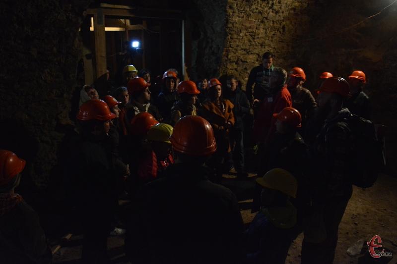Головною подією ночі музеїв стала екскурсія у палац Сенявських