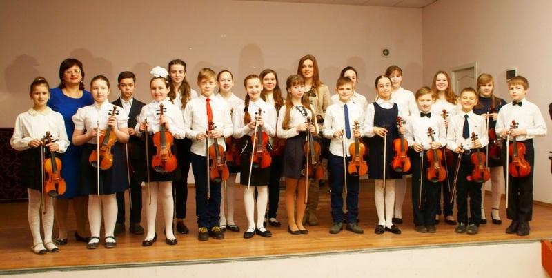 Навчатися гри на скрипці у Хмельницькому коштує 90 гривен в місяць