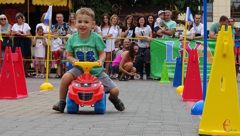 У змаганнях взяли участь діти віком від 2 до 7 років