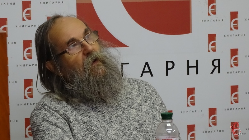 Техніка гри Любомира Мельника базується на дуже швидких нотах й складних нотних послідовностях