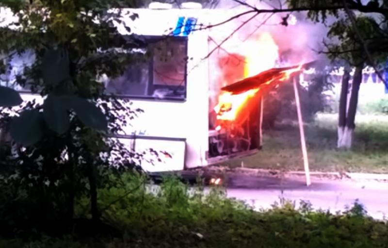У Шепетівці палав автобус