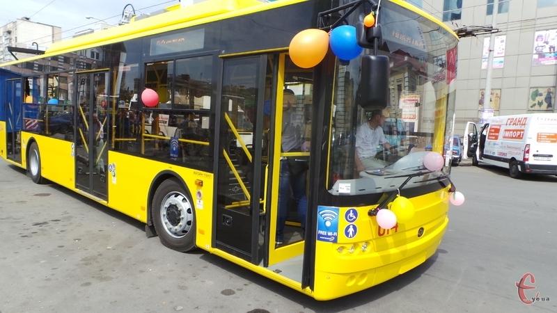 Ще сім нових тролейбусів курсуватимуть містом з вівторка.