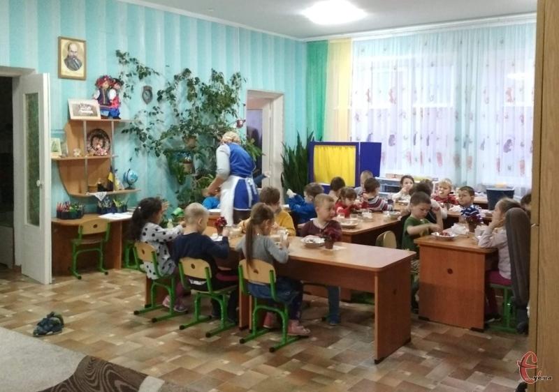 Наразі дитячі навчальні заклади міста відвідують 13 тисяч 293 вихованці