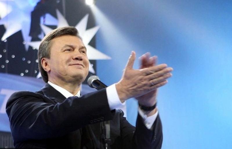 Рада ЄС уперше запровадила санкції проти Віктора Януковича та його найближчого оточення у березні 2014 року, потім двічі продовжувала. Україна ж поки не запроваджувала санкцій.