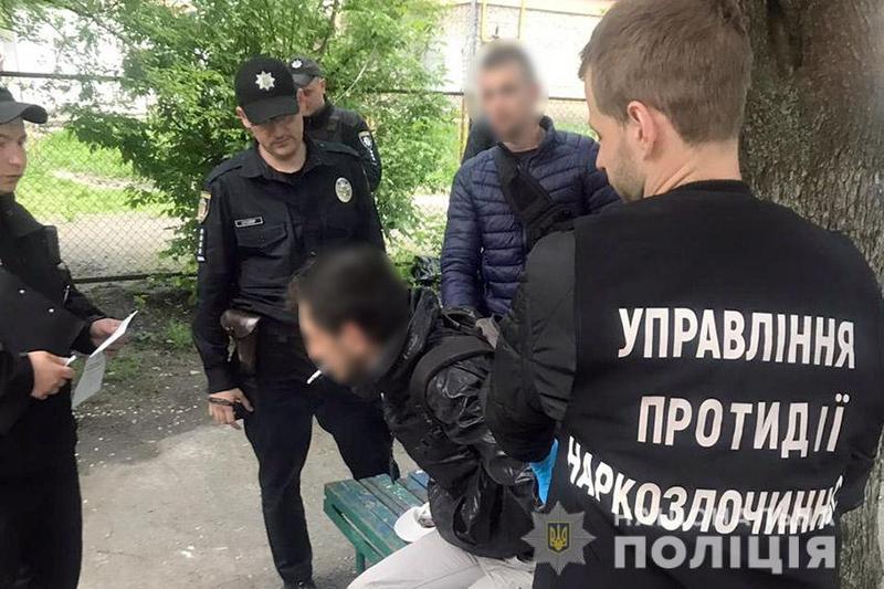 Громадянину Російської Федерації доведеться відповідати як за незаконне зберігання наркотиків, так і за порушення міграційного законодавства