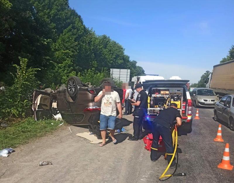 Аварія сталася у селі Голосків, що в напрямку з Хмельницького на Вінницю