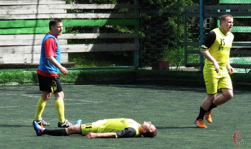 Команда депутатів Хмельницької міської та обласної рад програли команді журналістів та активістів з рахунком 8:3