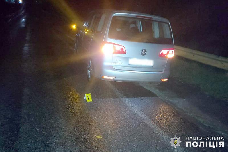 На Хмельниччині поліцейські встановлюють обставини ДТП, у якій важко травмувався 30-річний пішохід