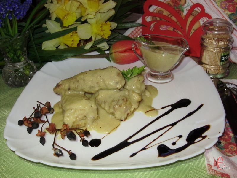 Рибка виходить дуже смачною, з приємним тонким ароматом. Гірчичний соус дарує їй додаткову соковитість і пікантний смак.