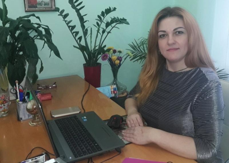 Донедавна Олена Ковцун працювала керівником апарату Теофіпольської райдержадміністрації