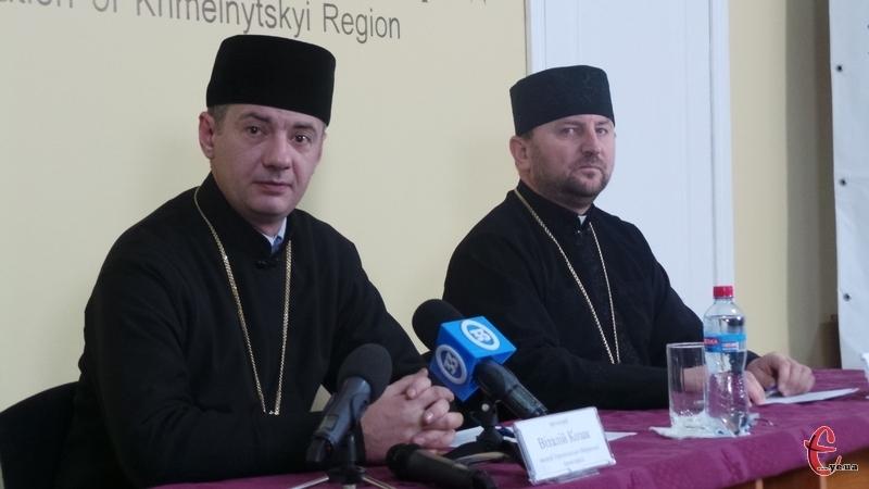 Отці Віталій Козак (ліворуч) й Іван Данкевич