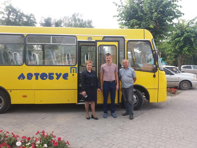 Автобус Чемеровецькій громаді обійшовся у 1 800 тисяч гривень.