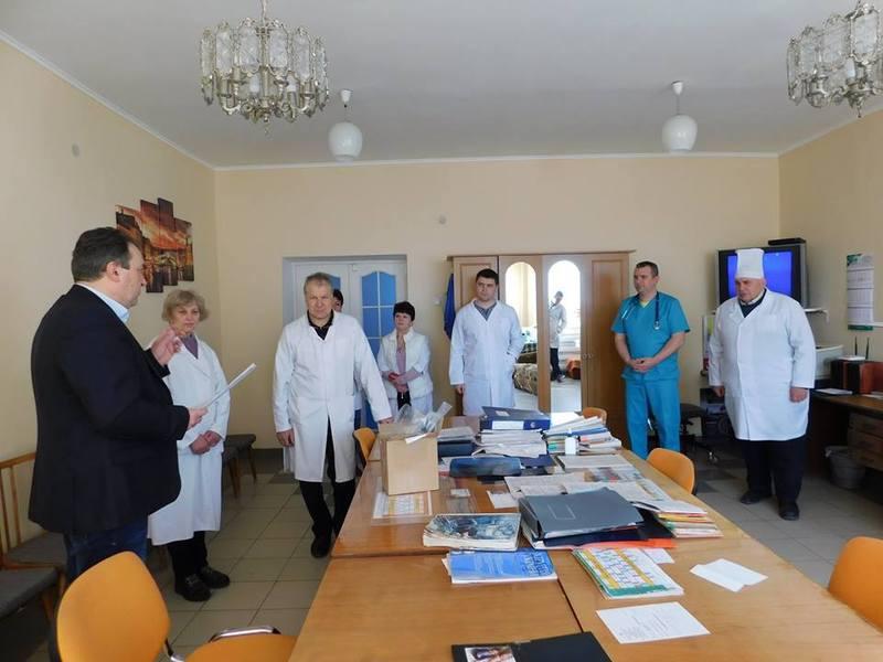 Новоушицькій районної лікарні передали 35 видів медичного обладнання