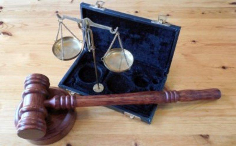 Батька малолітньої дитини, учасника бойових дій суд звільнив від реального відбування покарання за крадіжку