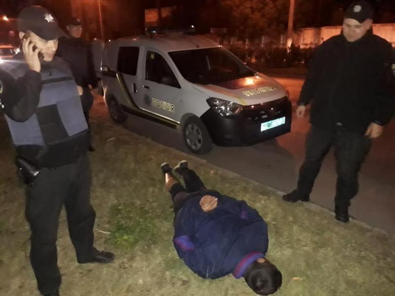 Правоохоронців викликав небайдужий свідок, задяки чому зловмисника оперативно затримали