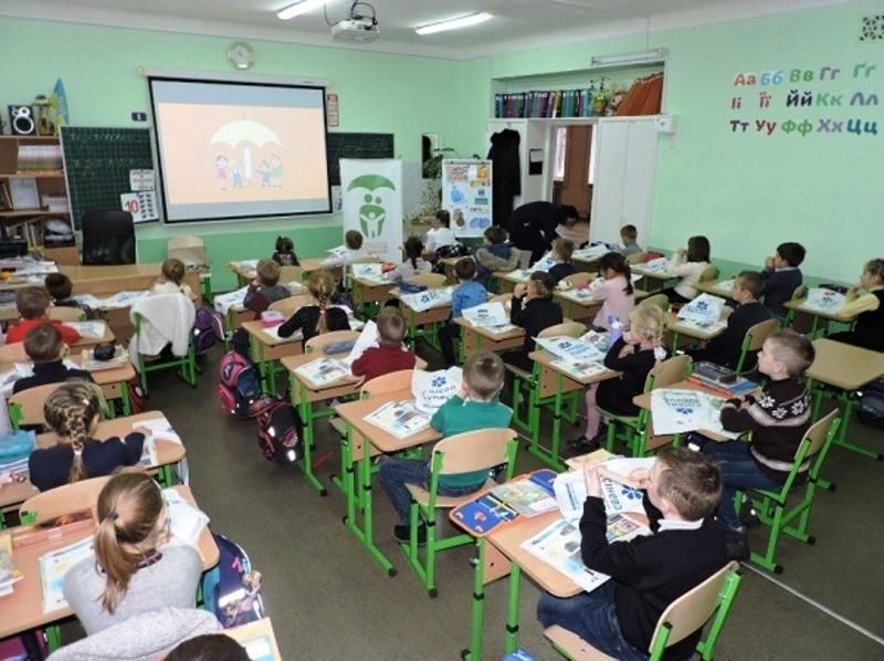Майже 72 відсотки меблів для Нової української школи уже закуплено