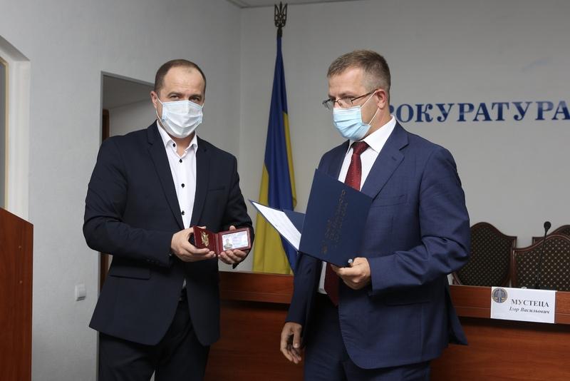 Олексій Олійник (праворуч) - прокурор Хмельницької області
