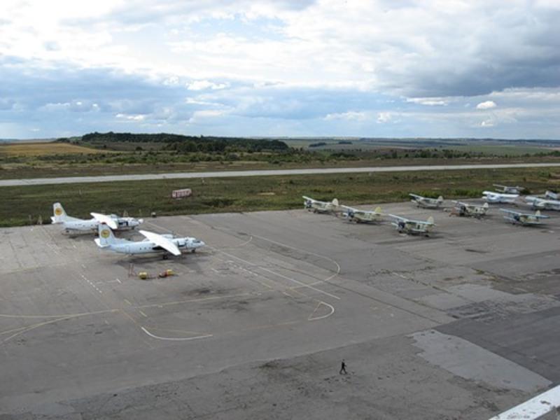 На КП «Хмельницький аеропорт» за останні кілька років кошти виділяються лише на погашення заборгованості із виплати заробітної плати.