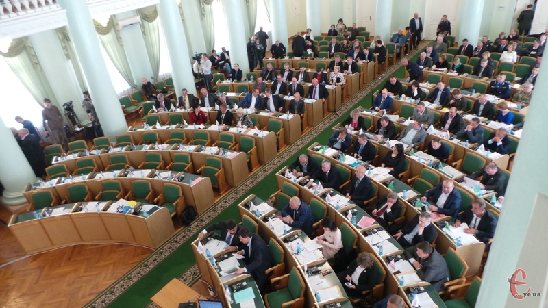 У перший день червня Михайло Загородний збирає депутатів на пленарне засідання.