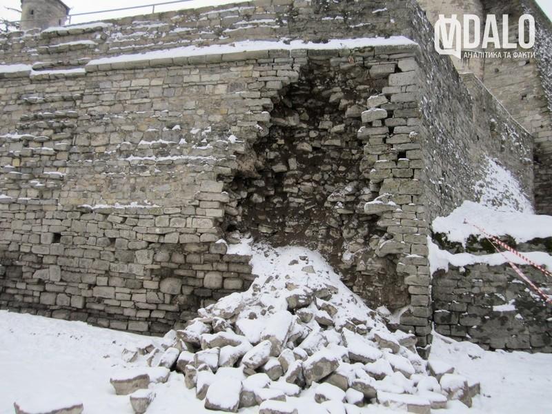 У Кам'янці-Подільському зазнав руйнувань мур Старої фортеці