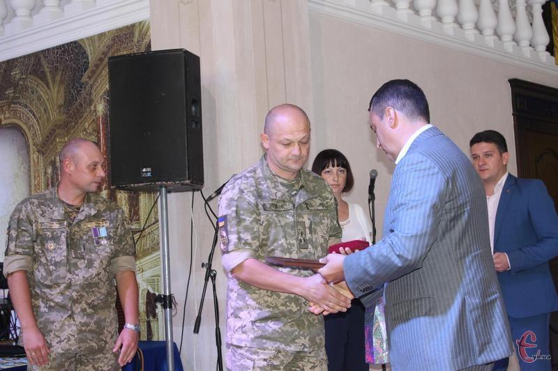 Володимир Родіков отримав почесну відзнаку  апарату секретаріату ради національної безпеки і оборони України