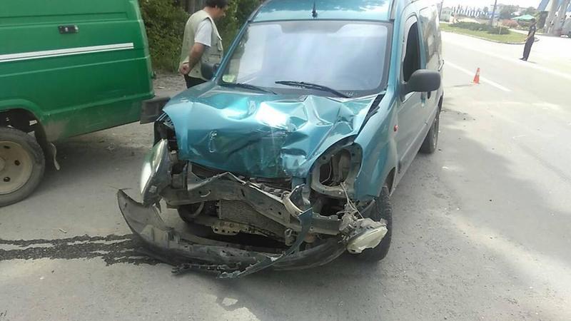В аварію потрапило 3 авто