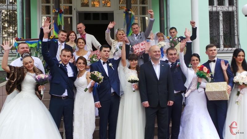 Цього року у День міста одружилося 9 пар хмельничан
