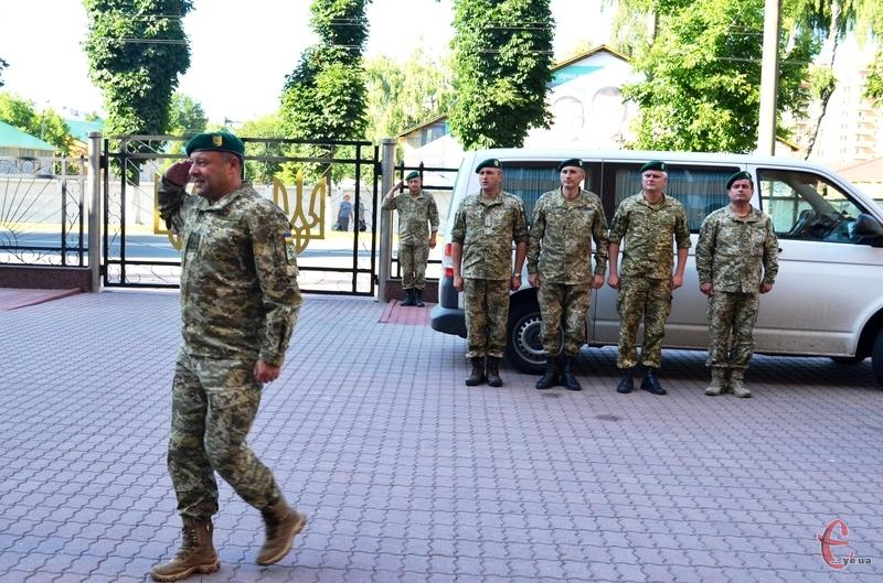 Офіцери із зони АТО повернулися неушкодженими