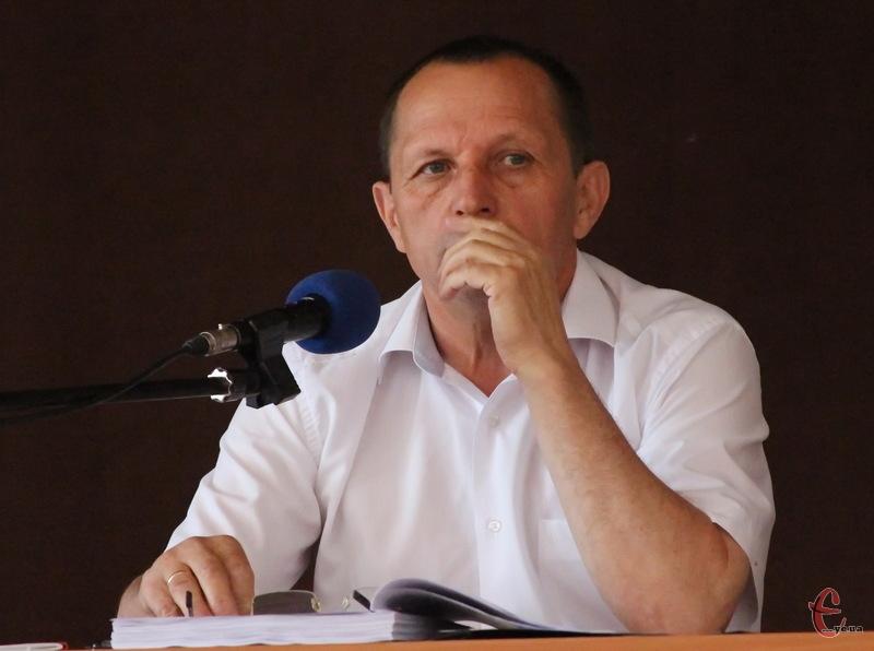 Микола Мельничук очолює Старокостянтинів із 2002 року