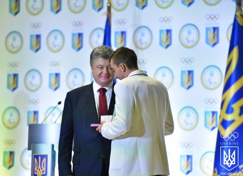 Хмельничанин Дмитро Янчук отримав з руз Президента України медаль За заслуги ІІ ступеню