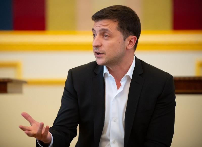 Минулого тижня Володимир Зеленський оголосив, що в день голосування на місцевих виборах - 25 жовтня – буде проведено всенародне опитування