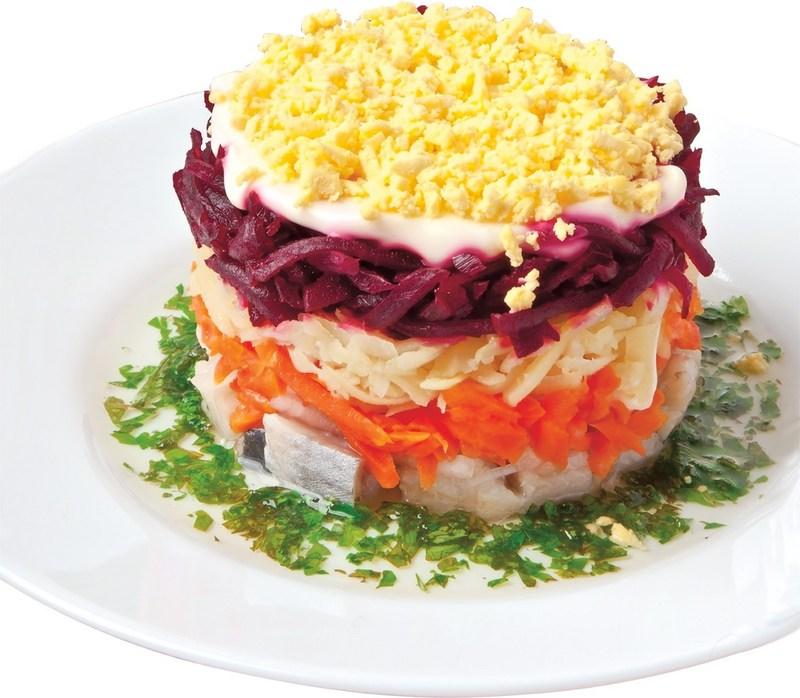 Американці описали нашу «шубу» як екзотичний салат для поціновувачів риби