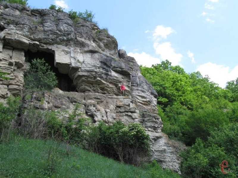 Залучанська печера є частиною Смотрицького каньйону