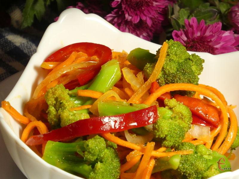 Вітамінна смачна закуска, яку можна подати до м'яса або риби.