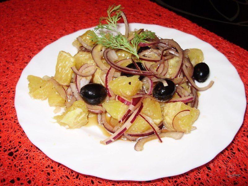 Незвичайний кисло-солодко-солоний салатик із категорії «мої фаворити».