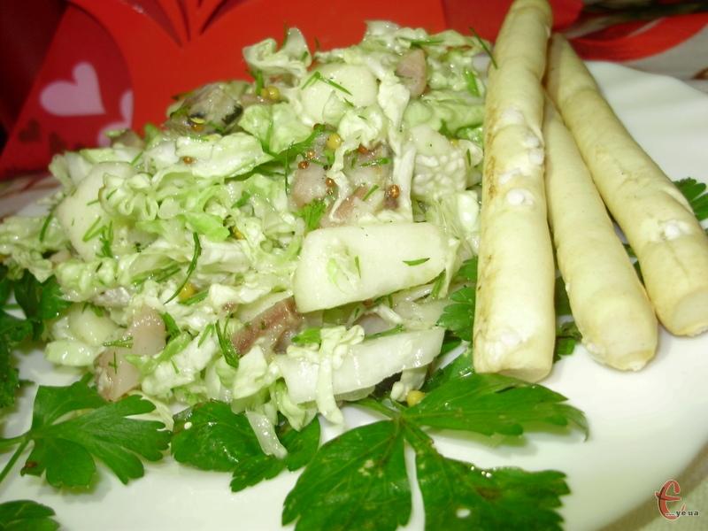 Цей салатик стане у нагоді, адже пісних рецептів багато не буває!