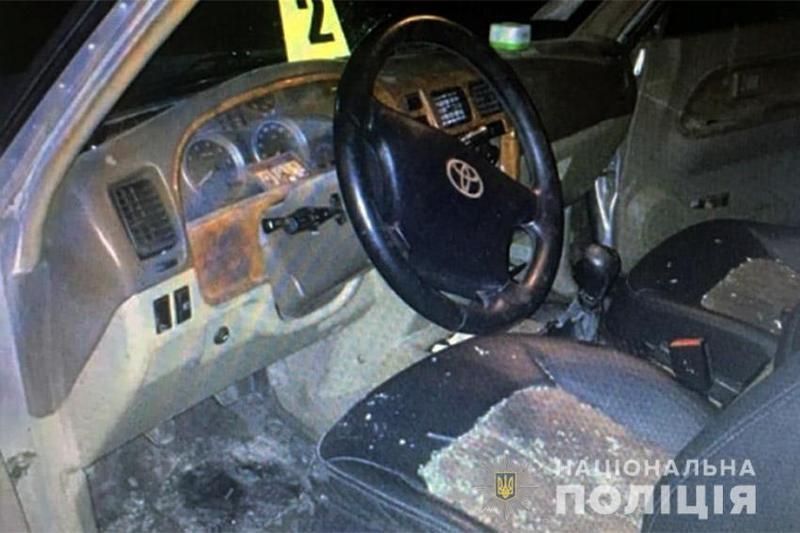 У Кам'янці-Подільському поліцейські оперативно затримали юнака, якого підозрюють у крадіжці позашляховика