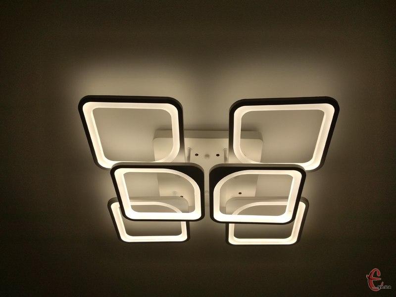 Світла в помешканнях хмельничан не буде впродовж п'яти годин